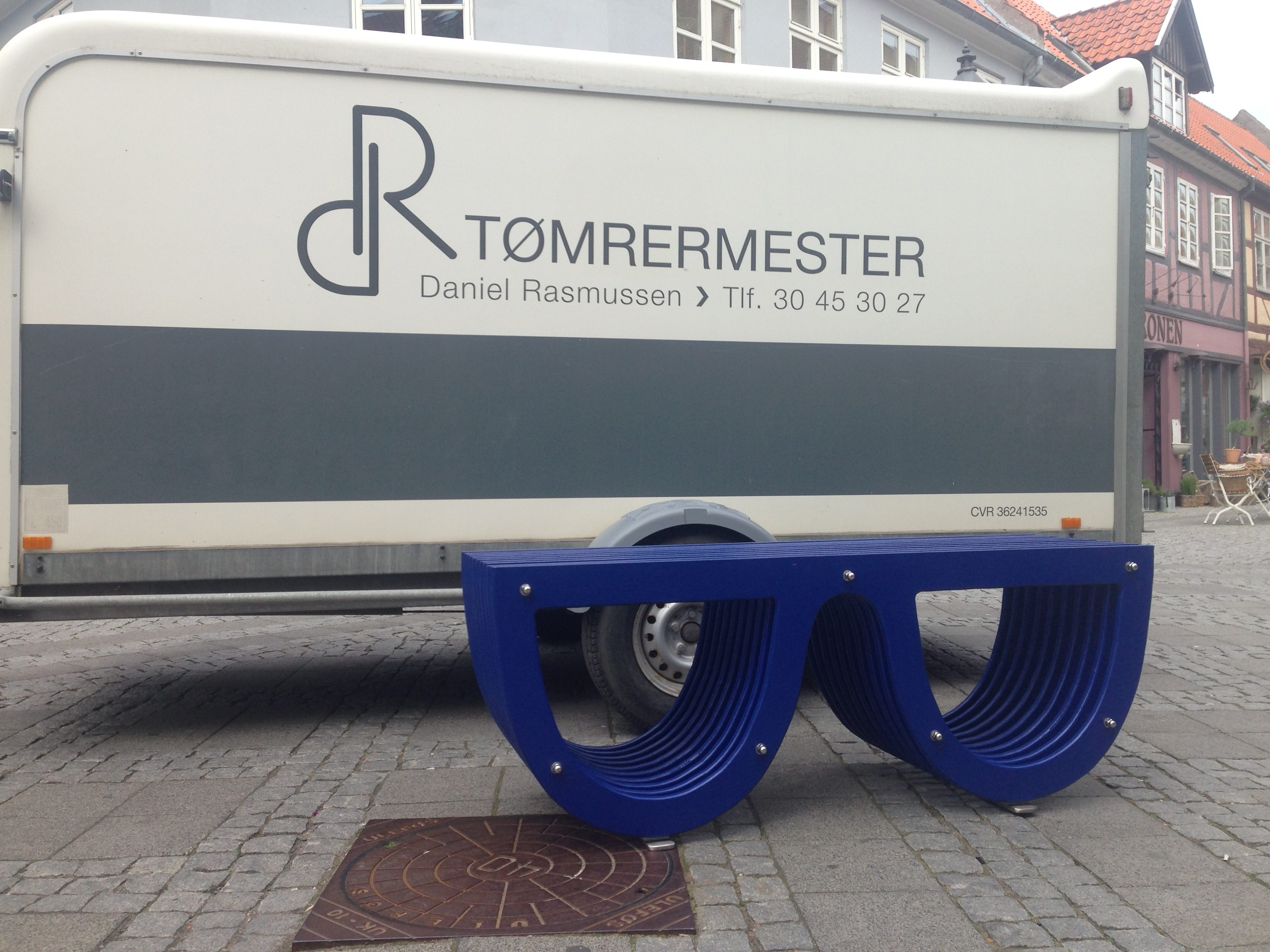 DR Tøemrermester Snedkeri -brillebænken 4
