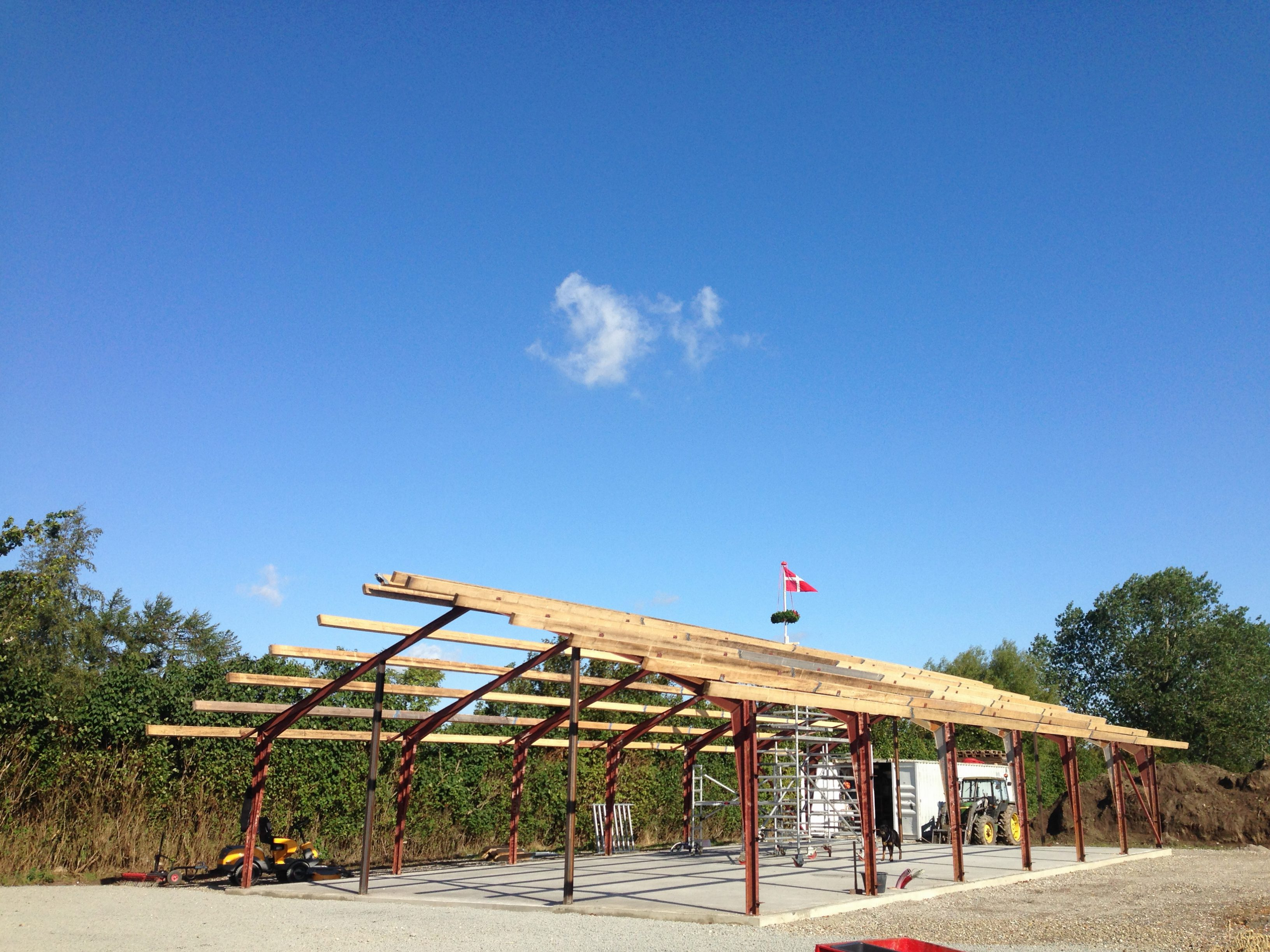 DR Tømrermester – bygning af hal