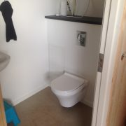 DR Tømrermester – montering af køkken og toilet i hal 5